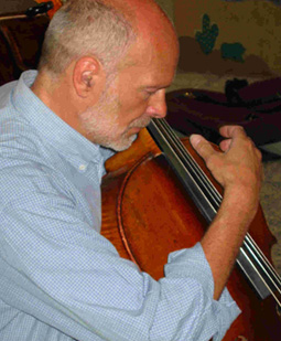 Michael Schneider - Kontrabass & Cello